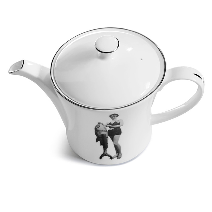 Melody Rose, Lee Miller Teapot